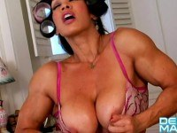 Masinohot rollersfemale bodybuilder