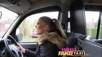 Taxi fingerfucking a fit babe