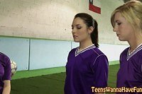 Soccer teen licks lez