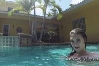 Girlfriend fucks in the outdoor pool