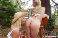 Wam lesbos outdoor dildo fun