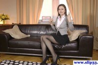 Euro beauty rips stockings for oldvsyoung